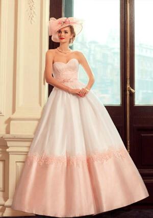 Фото: Пышные свадебные платья: модные цвета - розовый