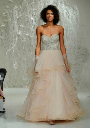 Фото 8: Пышные свадебные платья: фото модных моделей 2016