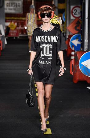 Moschino — Runway — Milan Fashion Week SS16