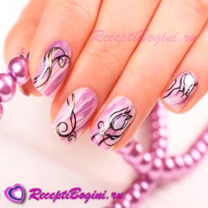 Фото: Праздничный дизайн ногтей на 8 марта с фиолетовыми тюльпанами