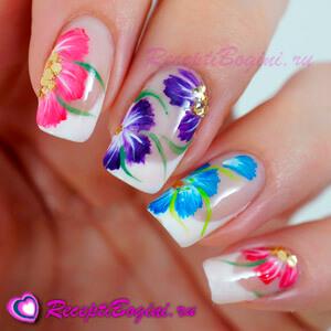 Фото: Дизайн ногтей к 8 марта с цветами - васельки