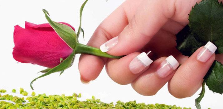 Дизайн ногтей к 8 марта: идеи и фото праздничного маникюра