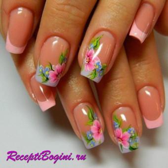 Френч с цветами на ногтях